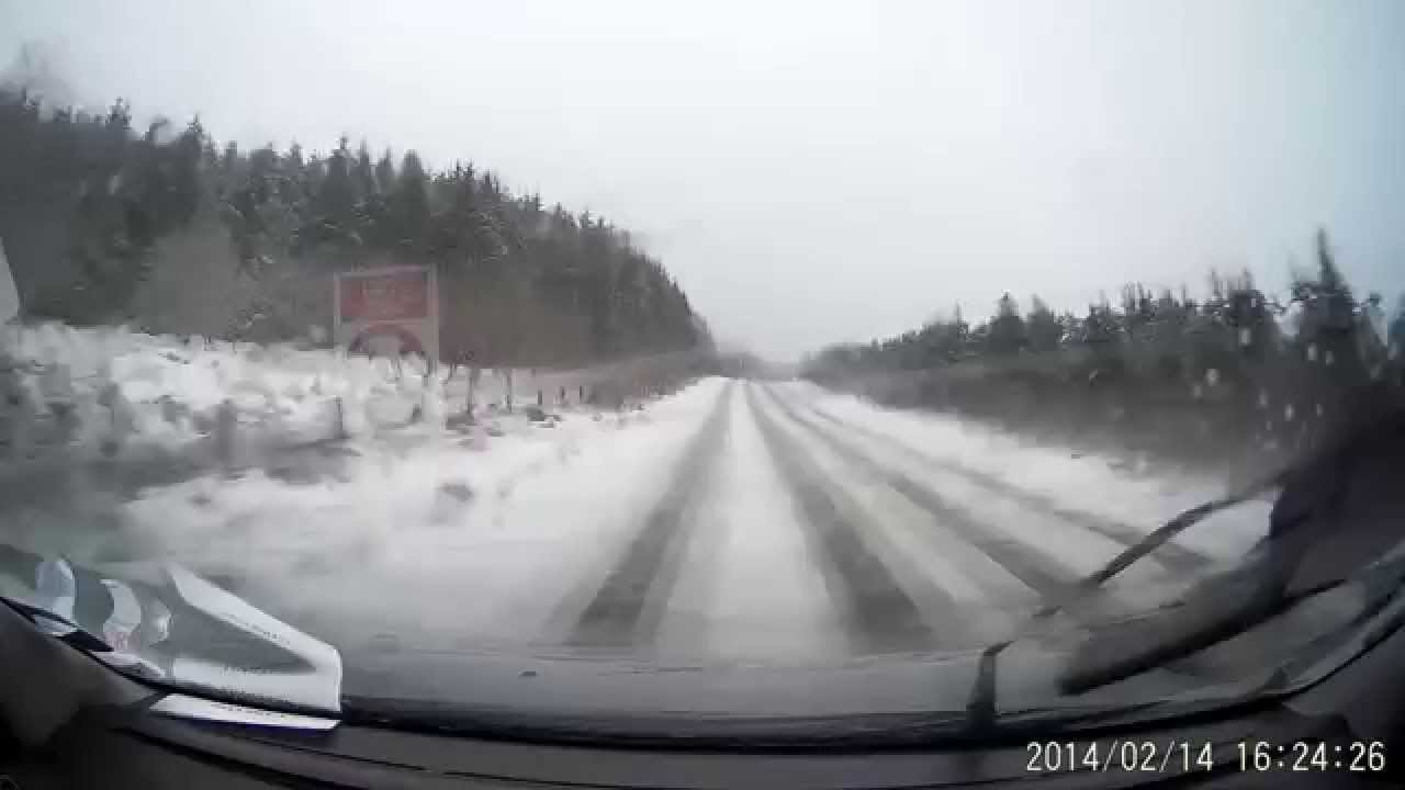 how to drive in snow with rwd