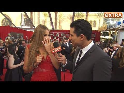 Sofia Vergara Shows Off Engagement Ring, Talks Wedding Plans at SAG Awards