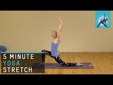 5 Minute Yoga Stretch with Esther Ekhart
