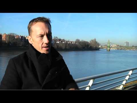 Premier League - Betfair Ambassador Lee Dixon talks the title race