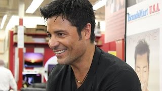 "Chayanne ""En Todo Estare"" In Store Miami"
