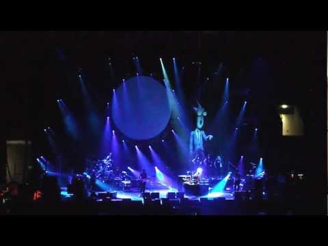 Pink Floyd Australian show-We dont need no education Live HD