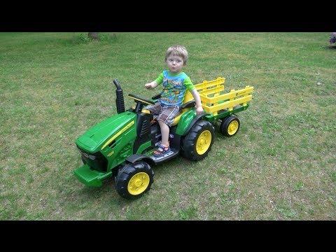 LITTLE BOY LOVES JOHN DEERE TRACTORS