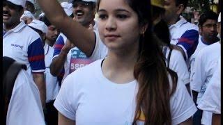 VIDEO: Beautiful Sara Tendulkar with father Sachin, Anjali