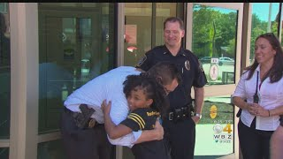 Girl On Mission To Hug Police In Every State