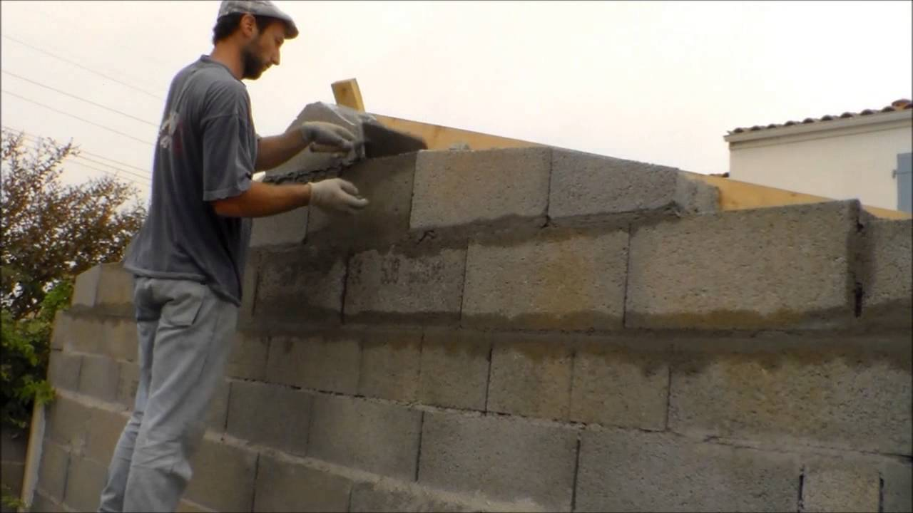 Comment faire le mur pignon d 39 une maison how to make the for Comment construire une maison