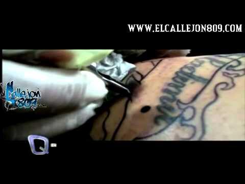 Sandra Berrocal Se se Retoca Un Tatuaje