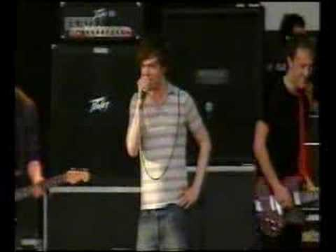 Idlewild - I'm A Message Live At V2002