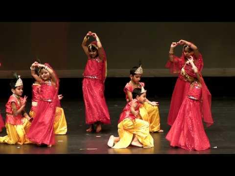 Siya's Dance - Radha Kaise Na Jale video