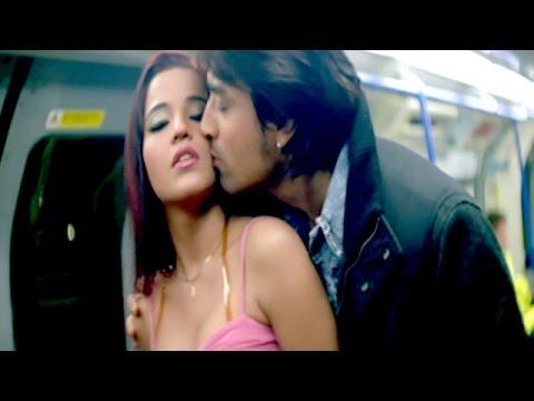 Hd हॉट सीन || Hot Scene || Couple Caught In Metro ॥ Monalisa || Bhojpuri Hot Uncut Scene video