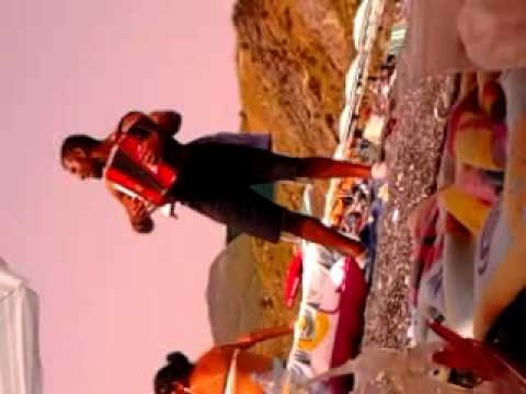 Romeno in spiaggia con fisarmonica (PARTE 2)