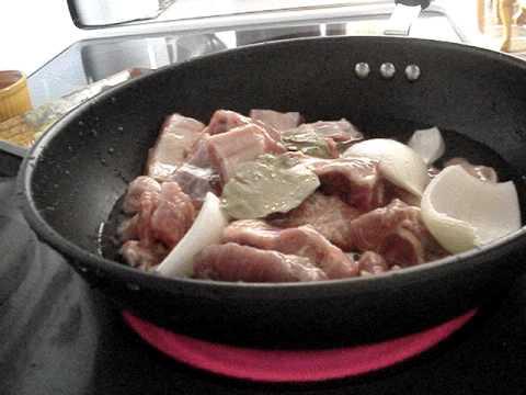 costillas de puerco con chile rojo.wmvcomida mexicana