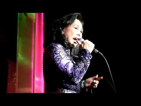 Nổi Buồn Hoa Phượng - Thanh Tuyền - Live At Tiếng Xưa Phòng Trà - 16-06-2012 video