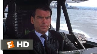 The World Is Not Enough (1/10) Movie CLIP - London Boat Chase (1999) HD
