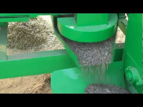 Mini Combain Thresher C.p.engineering Kekri video
