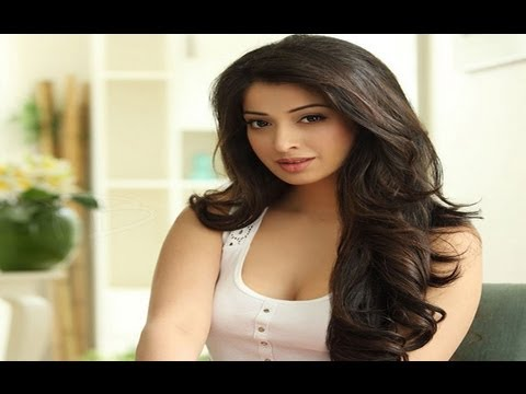 Beautiful Lakshmi Rai Latest Hot Photoshoot video