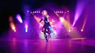 Lindsey Stirling Electric Daisy Violin Live