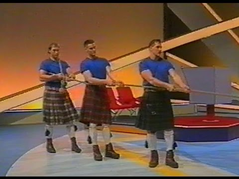 Uitzending van de Holidayshow 1988 TOUWTREKKEN Tug of war !