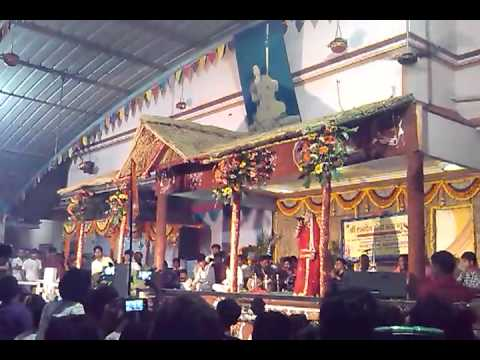 Sarita Kharwal Alakhadham Surat 09 09 2013 Live Program  1 video