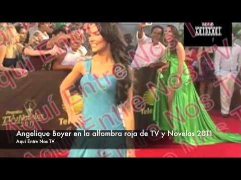 Se le ven las pompas a Angelique Boyer en los premios TV y Novelas 2011
