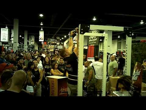 2014 MR. OLYMPIA in 3 Days!!! Expo Chin-Up Competition