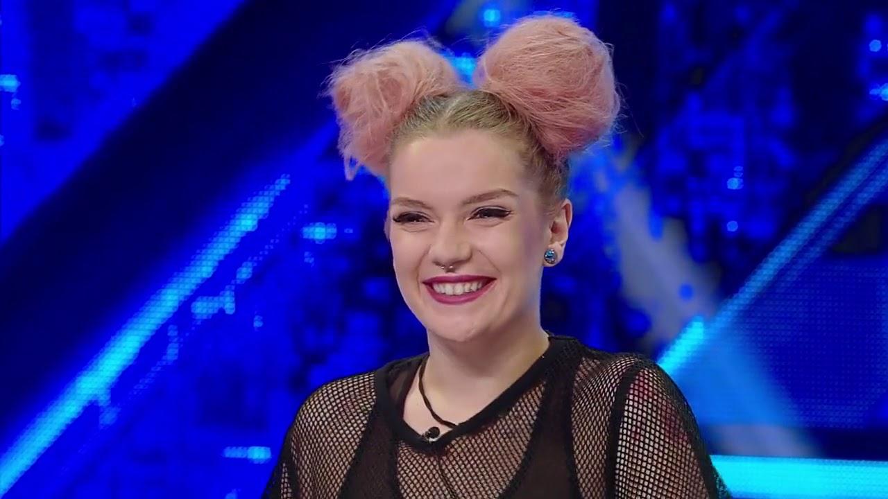"""Ana Miruna Ionescu, """"cea mai tatuată concurentă"""", s-a reinventat și urcă pe scena """"X Factor"""""""