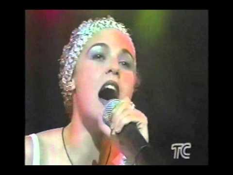 CAROLINA SABINO LA POLLERA AZUL FULL AUDIO ED