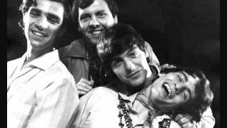Watch Young Rascals Come On Up video