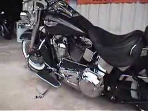 2006 FLSTN/FLSTNI Softail Deluxe Video