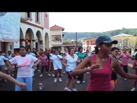 Dirección Municipal del Deporte / Zumba Fitness Familiar en Santiago Tuxtla Gratis