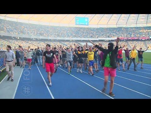Массовой драки болельщиков на стадионе Олимпийский в Киеве на глазах у главы МВД Арсена Авакова