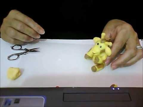 Girafa em massa de biscuit modelo 2