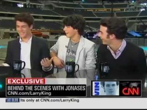 Joe Jonas Confirms Nick Dating Miley Cyrus + Info Video