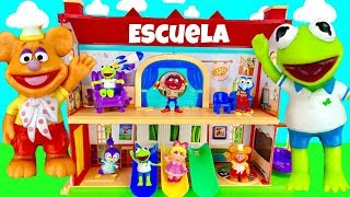 Set de Juego de Escuela de Disney Junior Muppet Babies con Kermit Miss Piggy Fozzie
