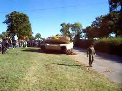 M1A1 Abrams Turning, moving At Ft Knox