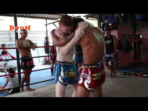 Stephen Meleady vs Pakorn, Muay Thai Clinch Training Image 1