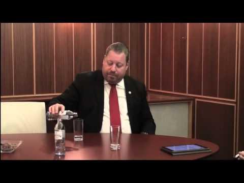 5 kritische Fragen an den Bürgermeister: Teil1 WC statt Freibad