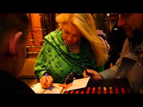 Nancy Kovack signing Autographs at Berlinale 2014 in Berlin