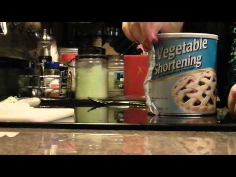 How to Make a Vegetable Shortening Candle that Burns 45 Days