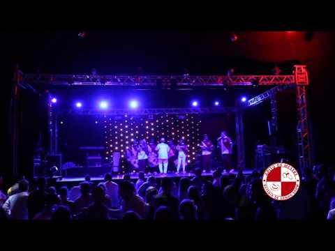 Baile De Formatura Em Clima De Carnaval - Show Bateria De Escola De Samba E Mulatas video