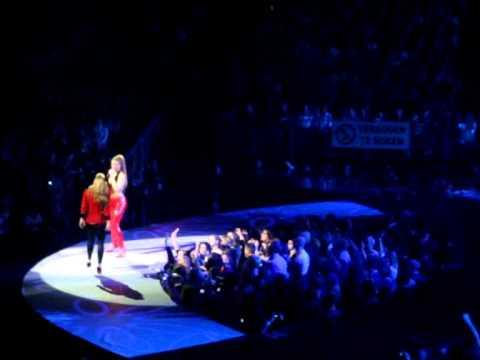 Natalia Meets Anastacia - Saturday January 15th 2011 @ Sportpaleis Antwerp