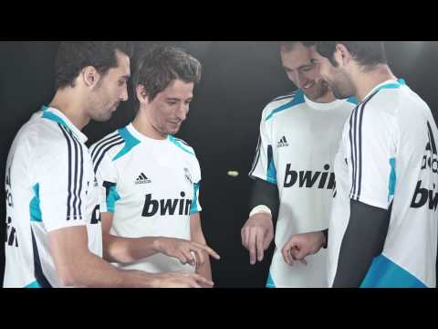TVC dua Kelinci Real Madrid Fingers Juggling By Fortune Indonesia Advertising Agency