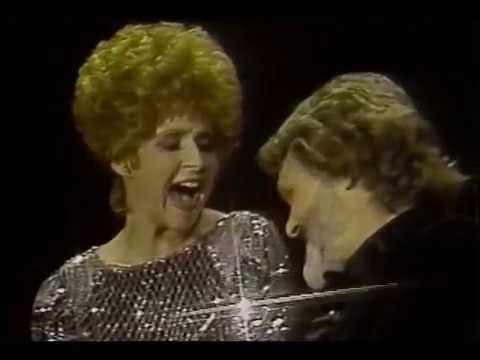 Brenda Lee - Born To Love Me