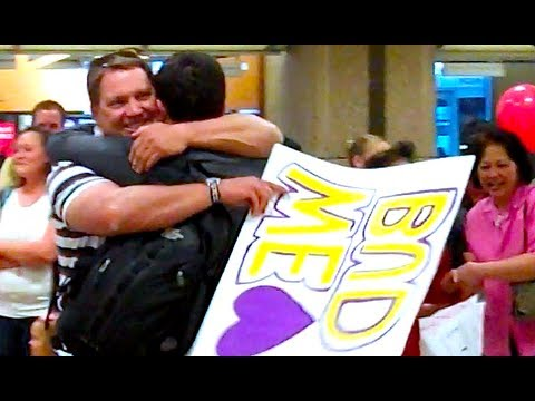 EMOTIONAL REUNIONS! (Airport people watching)