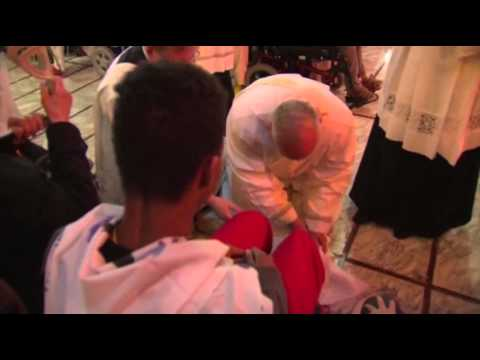 Raw: Pope Francis Performs Pre-easter Ritual