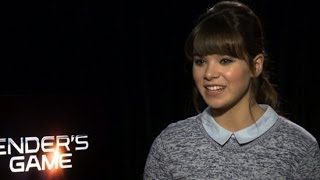 Hailee Steinfeld on Ender's Game and Young Adult Books | POPSUGAR Interview