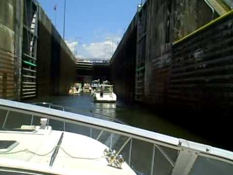 Going into Chickamauga Locks from Nickajack Lake upriver after Riverbend