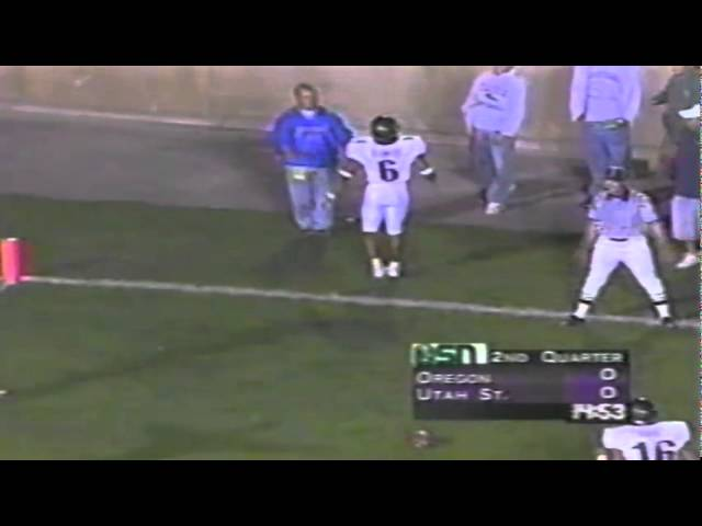 Oregon CB Steve Smith knocks away a pass in the endzone vs. Utah St 9-29-2001