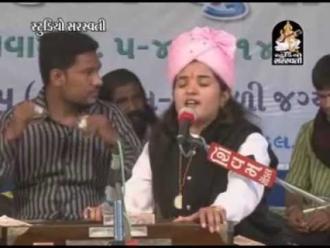 Dhime Dhime Preet Kero | Gujarati Live Bhajan 2014 | Poonam...