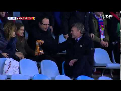 David Moyes enjoying some chips with the fans